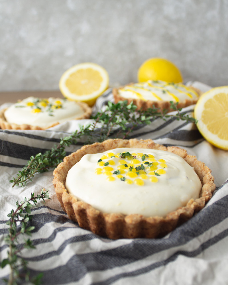 Lemon thyme tart on cloth